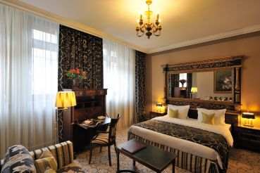classic-room-luxury-hotel-geneva